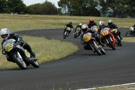 Competitors in Ken Blake round SA Historic Championships – Photo – Rob Lewis