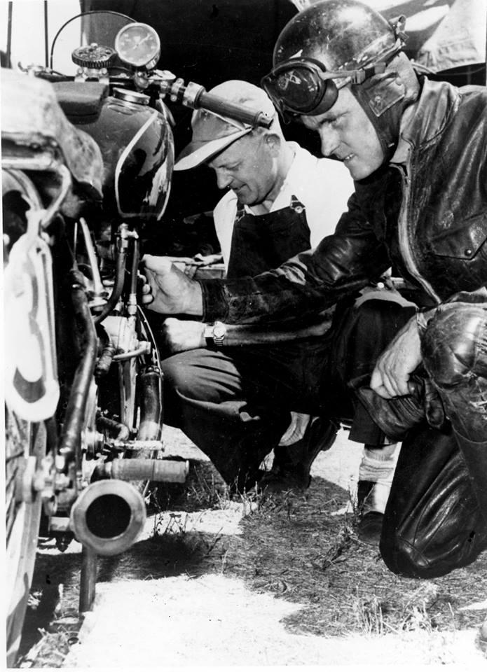 Les Diener c.1949 Velocette HMCRRSA Historic Racing